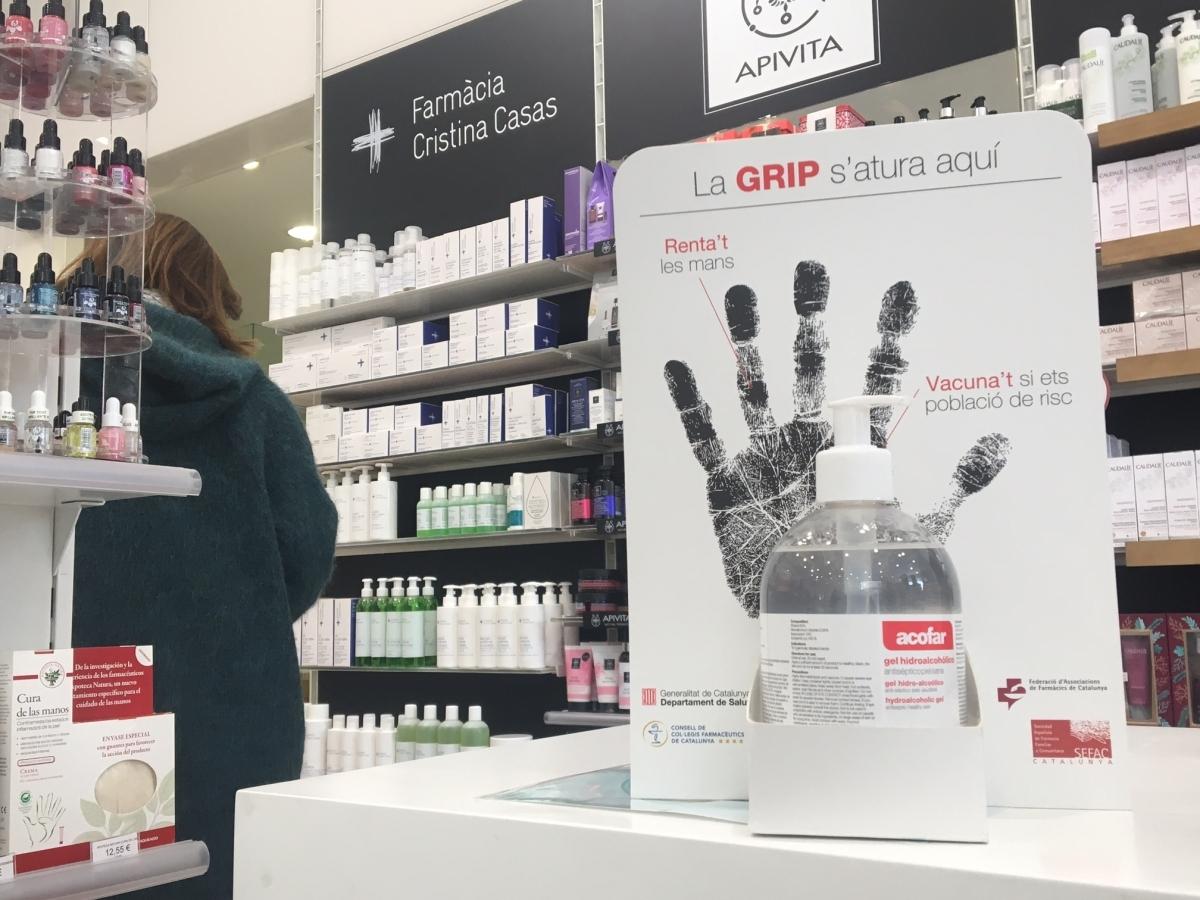 Un dispendador a la farmàcia Cristina Casas d'Igualada
