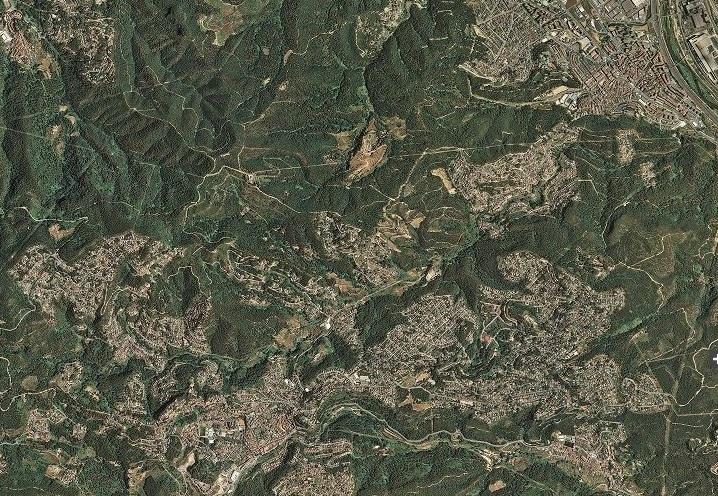 Vista de la difusió urbana a Sant Andreu de la Barca, Corbera de Llobregat, etc., per un transcorre la carretera N-340. Font: www.icc.cat.