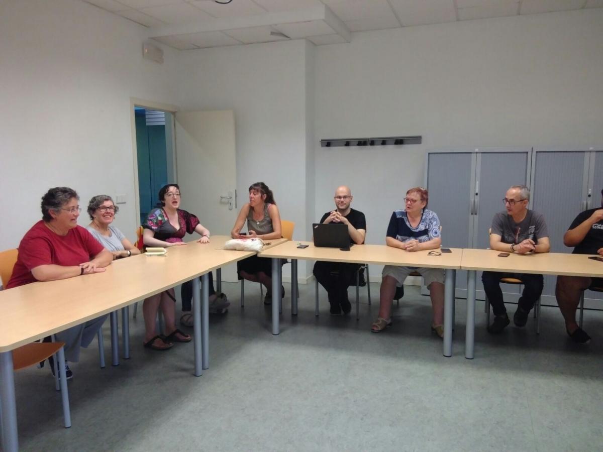 Una reunió de DI a l'Espai Cívic Centre