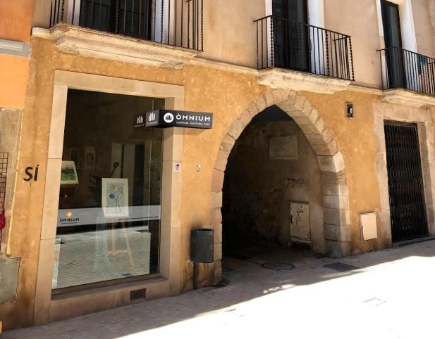El local d'Òmnium Anoia, al carrer Santa Maria