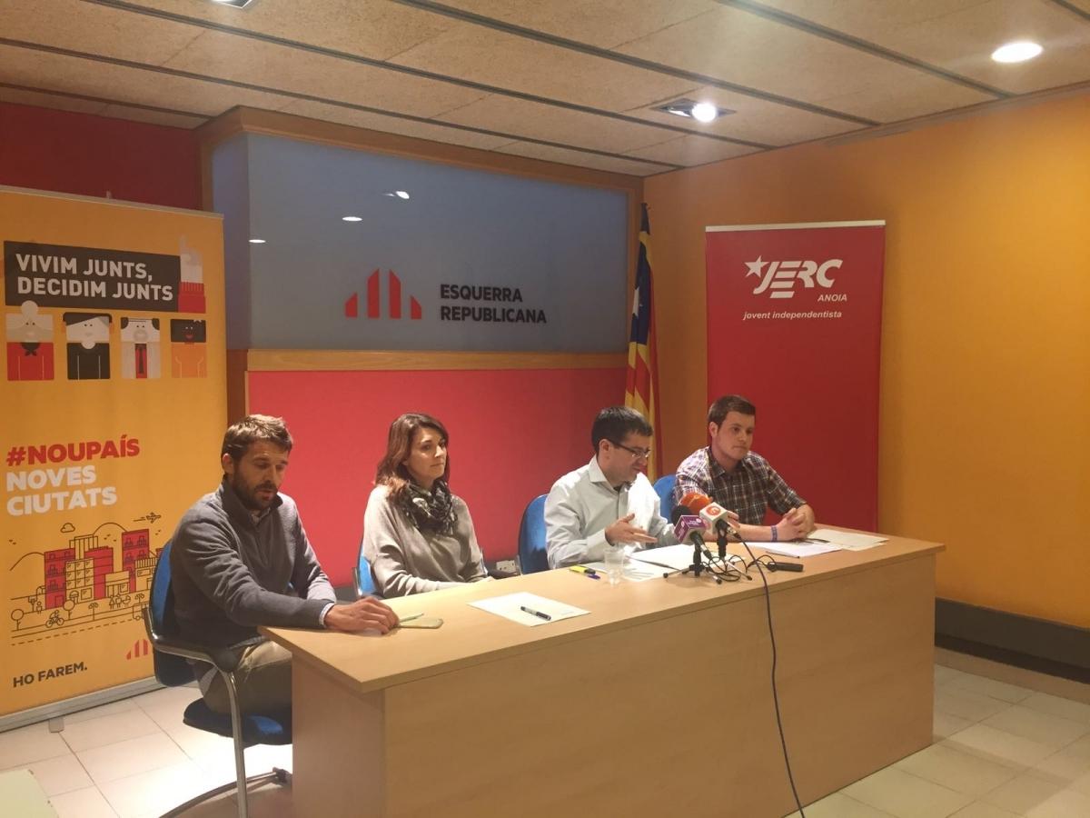 Els tres regidors d'ERC a l'Ajuntament, amb David Prat (JERC)