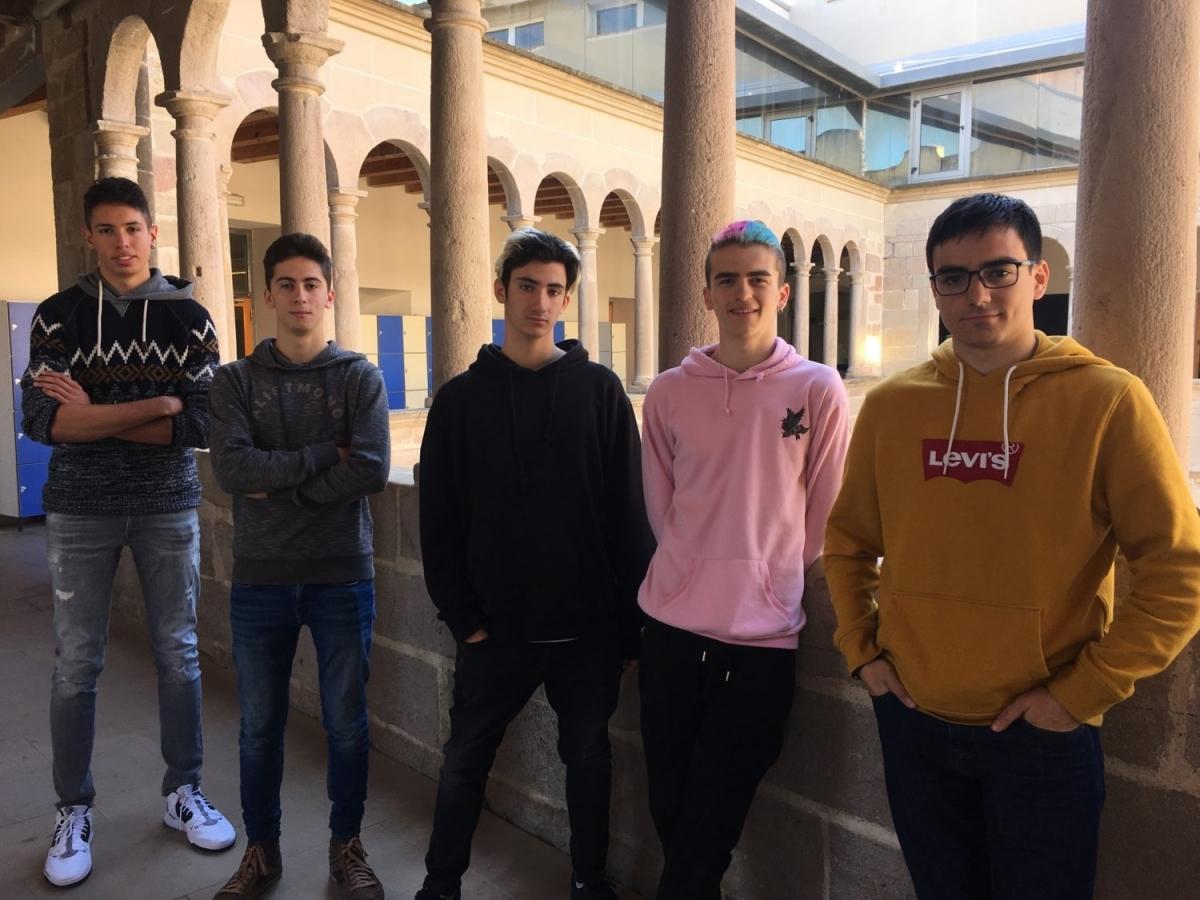 Els joves que formen part de l'equip de l'Escola Pia