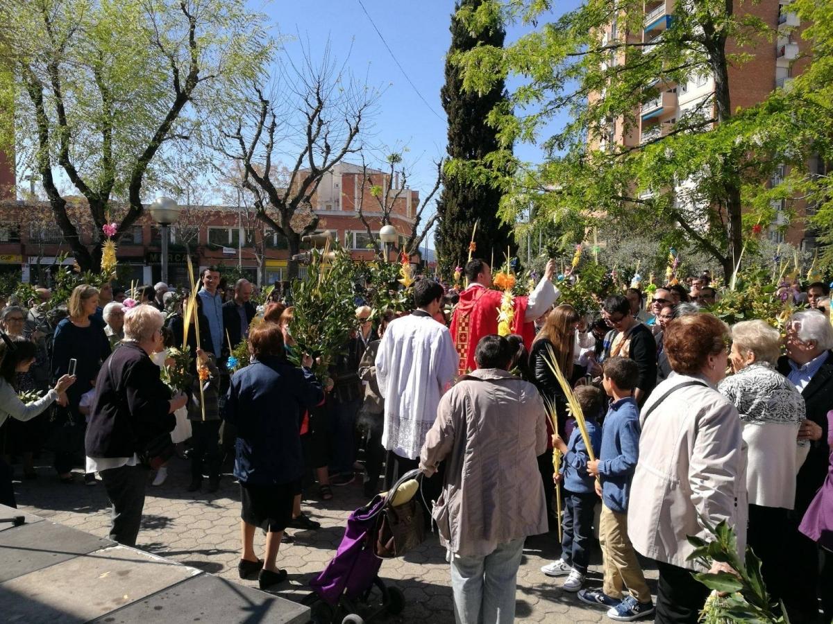 La benedicció del ram, l'any passat a la Sagrada Família igualadina
