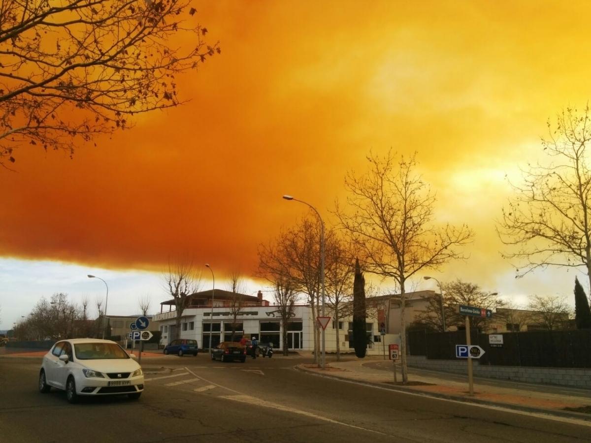 La foto del núvol sobre el polígon, de Marina Iglesias