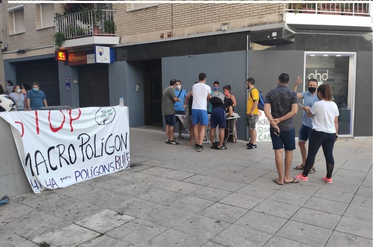 Una de les pancartes, situada a Cal Font