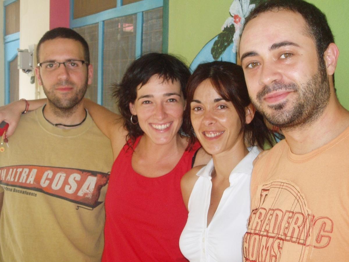 Xavi Dàvila, Laura Descàrrega, Elisenda Santacana i Quique Santano, a Anantpur, el 2009