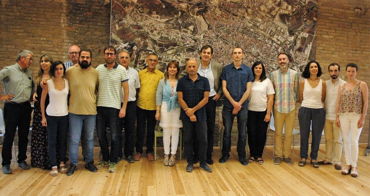 Part dels equips guanyadors i el jurat, en l'acte a l'Adoberia Bella