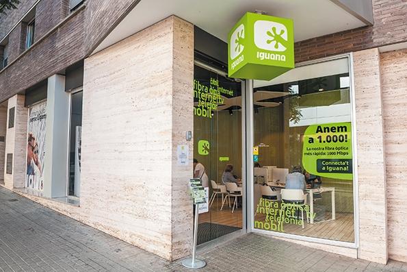 La botiga d'Iguana està situada al carrer Santa Caterina, 32 d'Igualada.