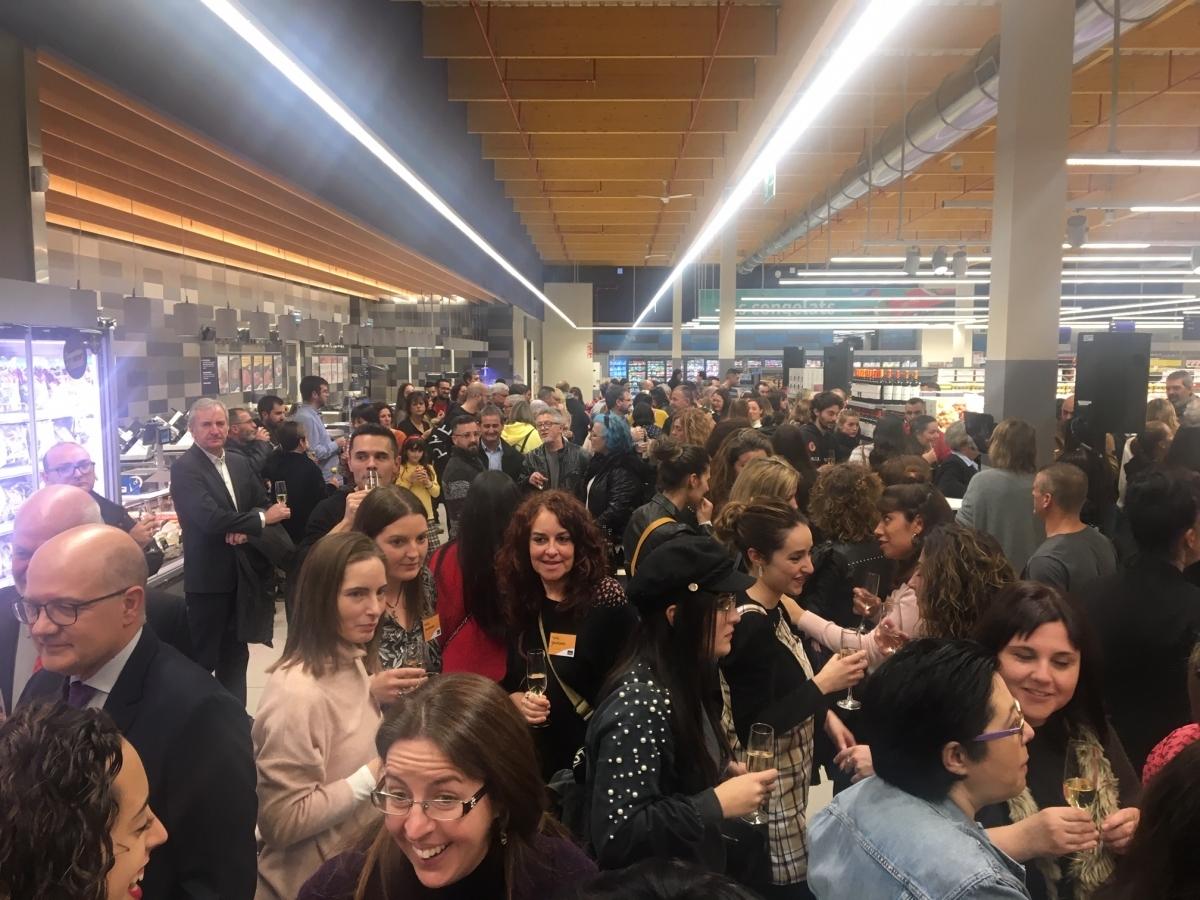 Els 88 treballadors i les seves famílies van paticipar a l'acte inaugural del nou Esclat