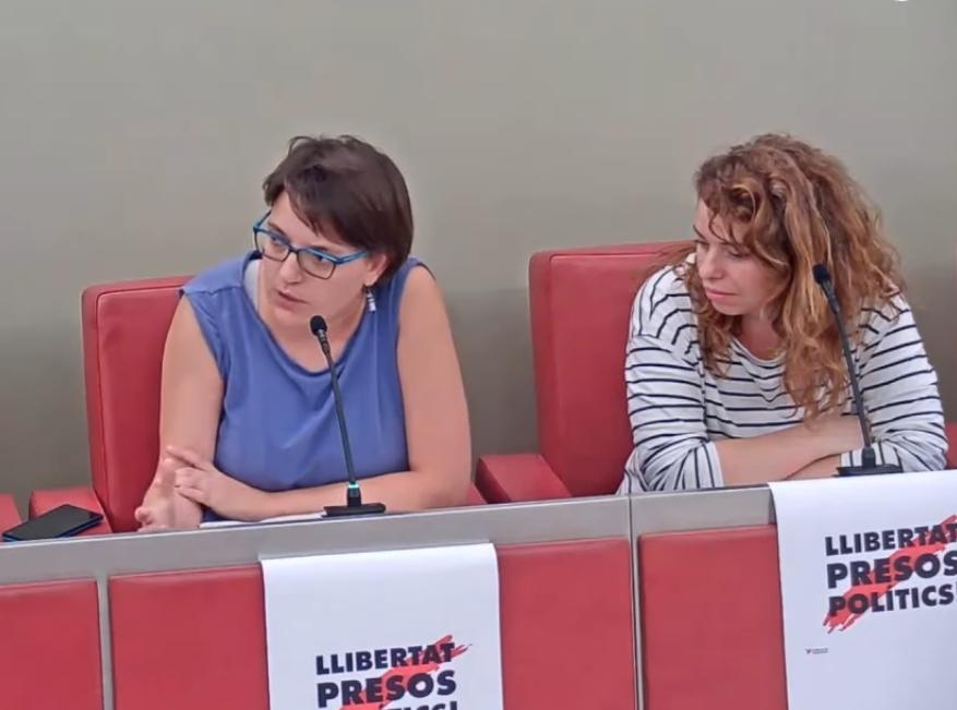 Les  dues regidores de Poble Actiu, Neus Carles i Eva Pedraza