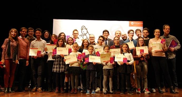 Els guardonats de la comarca en l'edició de 2016, en una foto de família