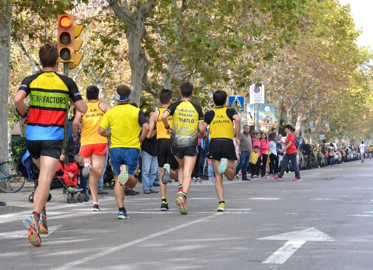El pas de la Cursa A pel Passeig, l'any passat