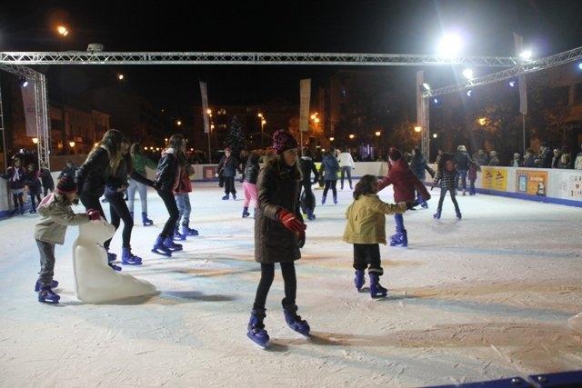La pista de gel, una presència habitual cada Nadal a Cal Font