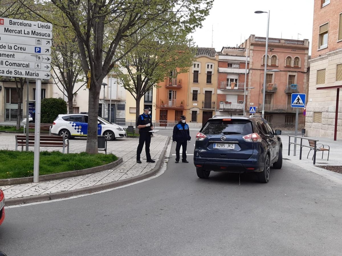 Un control policial a la Plaça del Rei