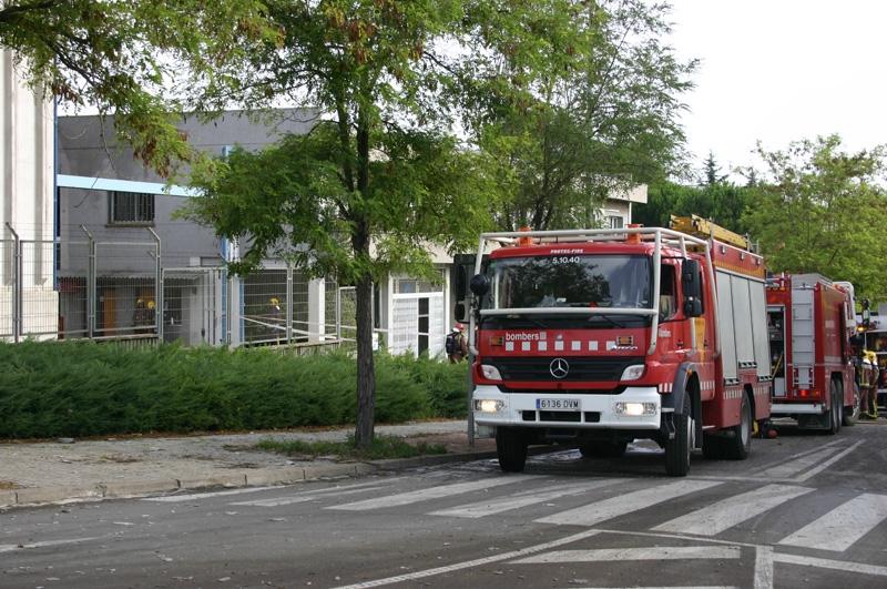 S'hi han desplaçat vuit dotacions de bombers