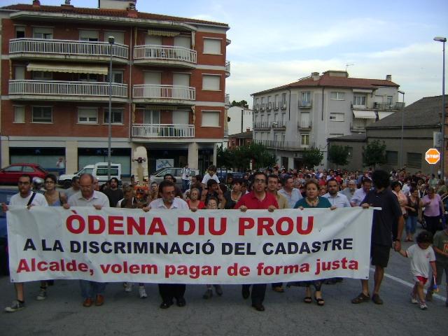 La manifestació va arribar fins davant de l'ajuntament