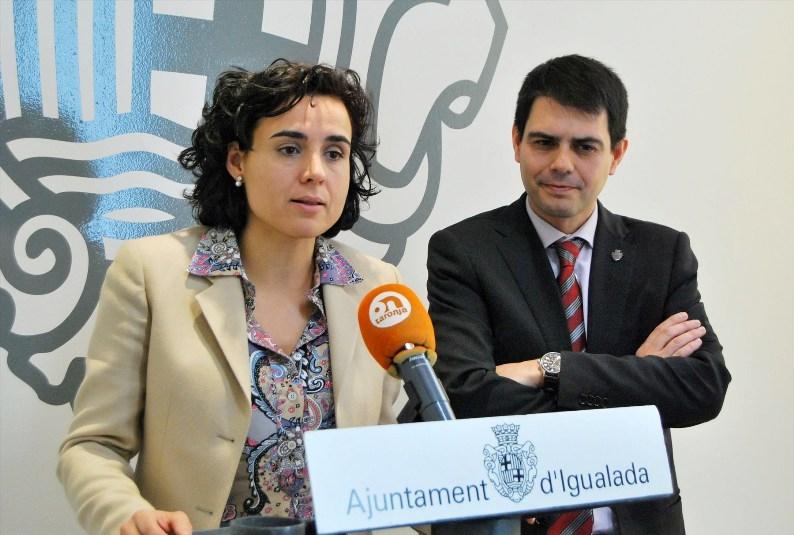 Dolors Montserrat i l'alcalde Marc Castells, durant la roda de premsa