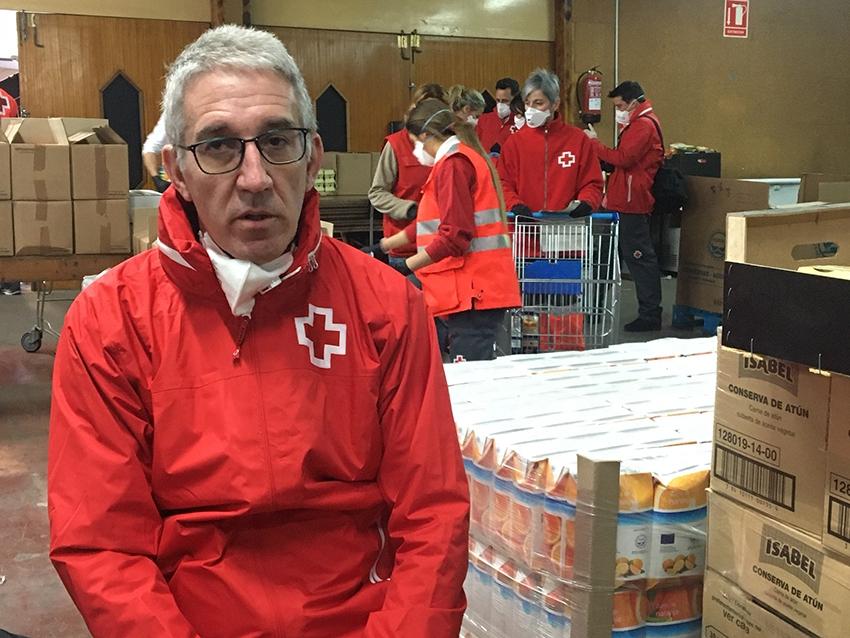 L'Enric Morist, al banc d'aliments de Vilanova del Camí