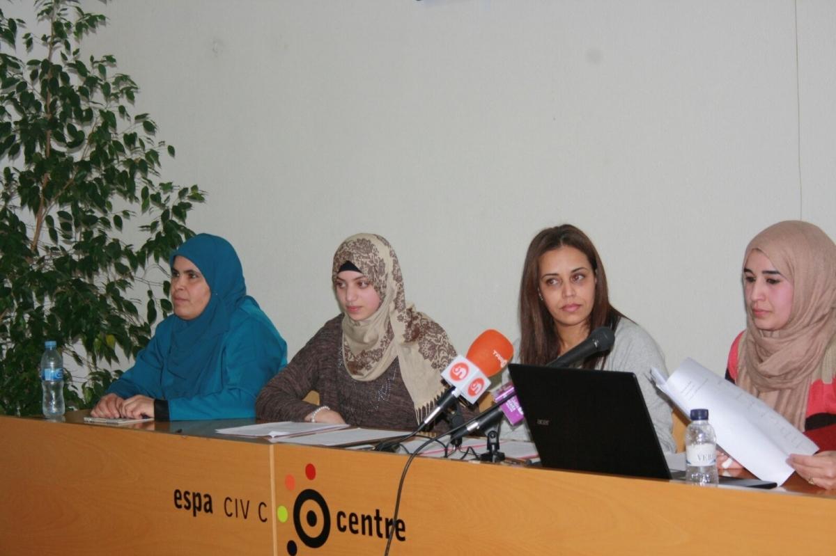 Les representants de Compartim Ciutadania, en la presentació a l'ECC