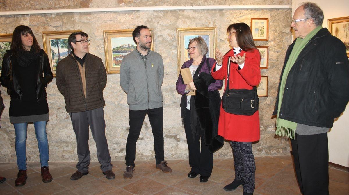 La inauguració de l'exposició de quadres d'artistes capelladins
