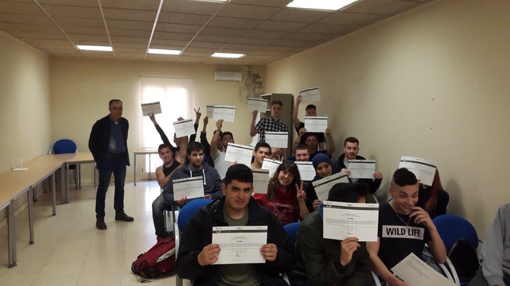 Els participants dels cursos, amb Jordi Badia