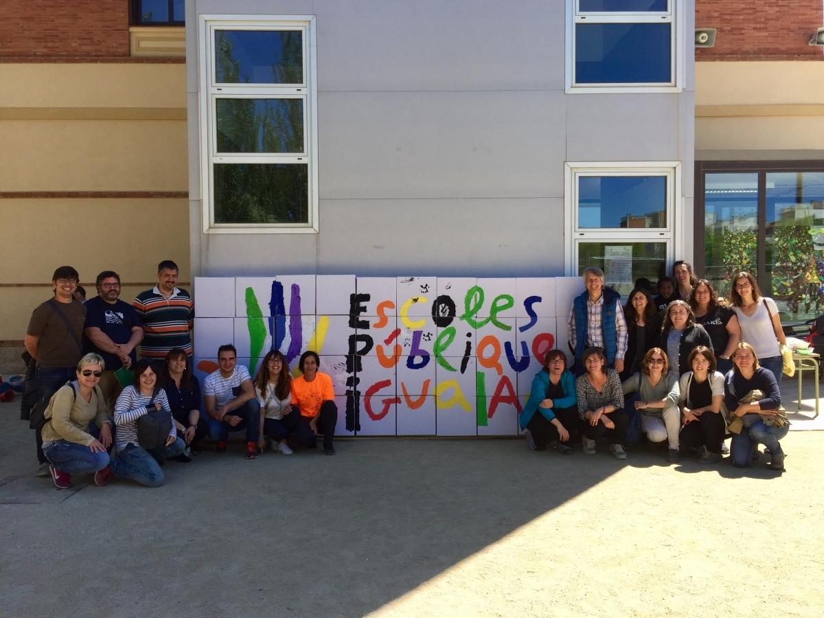 AMPAs de diverses escoles de la ciutat, en una iniciativa de promoció de l'escola pública, el 2017