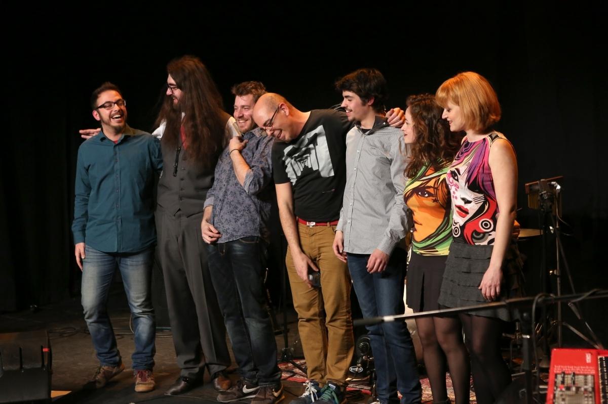 La formació al complert, al final del concert FOTO: Marc Vila