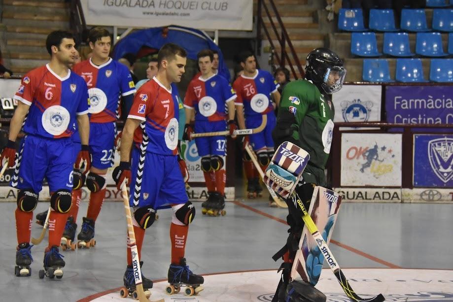 Els jugadors igualadinistes, a l'inici del darrer partit a Les Comes
