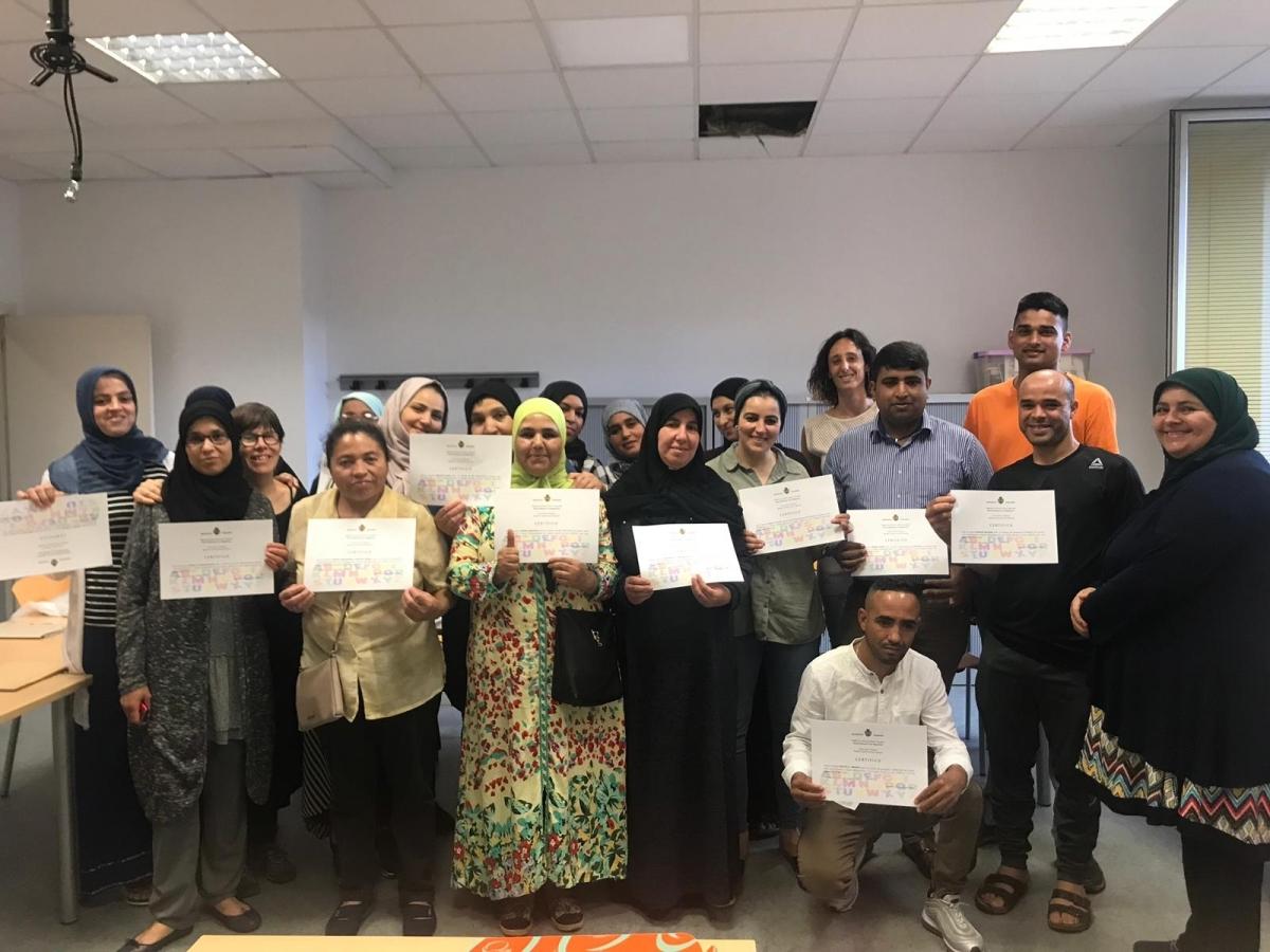 Alguns dels participants, amb el diploma acreditatiu