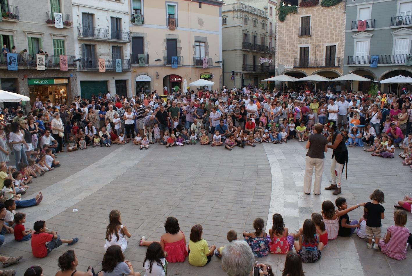 Animació infantil a la plaça de l'Ajuntament