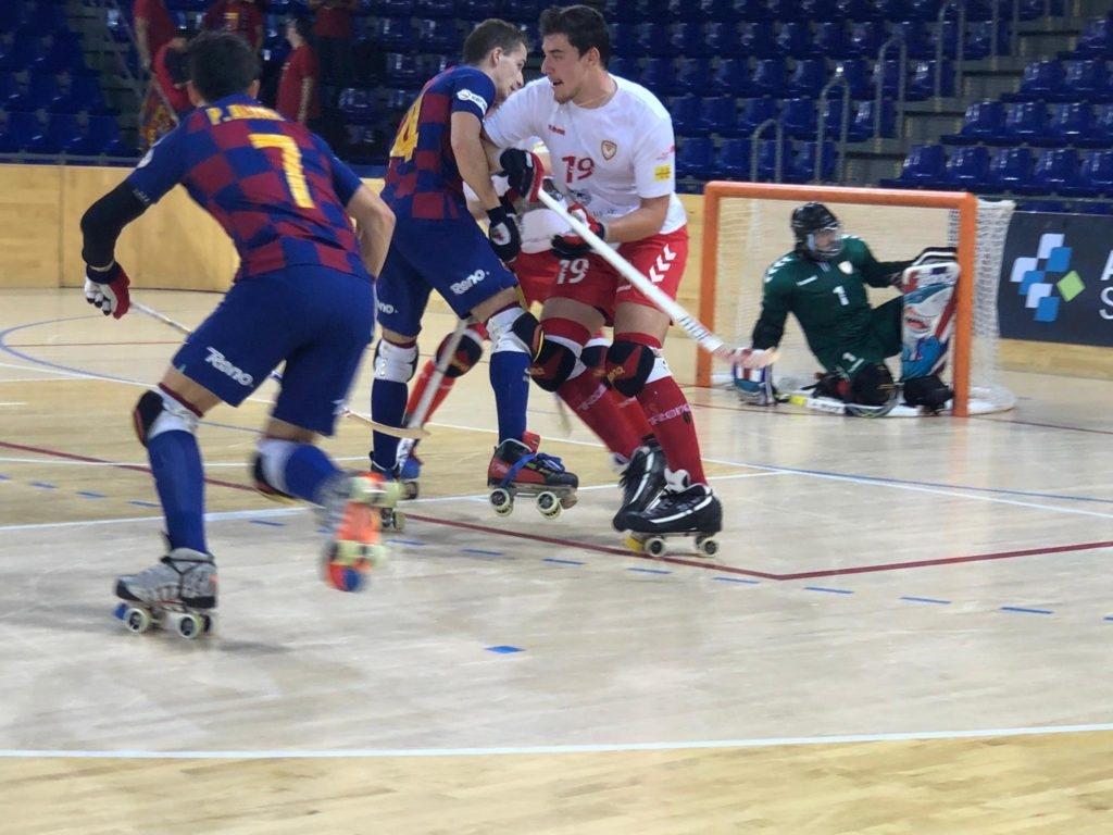 El Barça, jugant d'arlequinat, contra un Igualada jugant de blanc