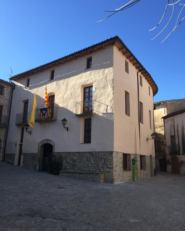 Una nova cara per la casa consistorial del municipi