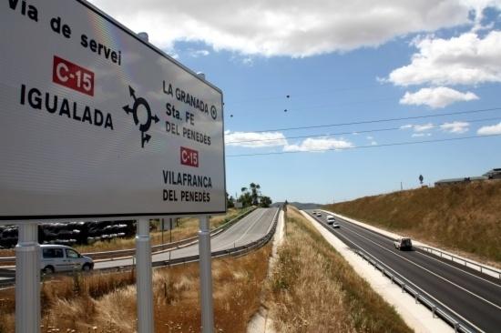 La carretera, a la zona limítrof amb el Penedès FOTO: santquintidemediona.cat