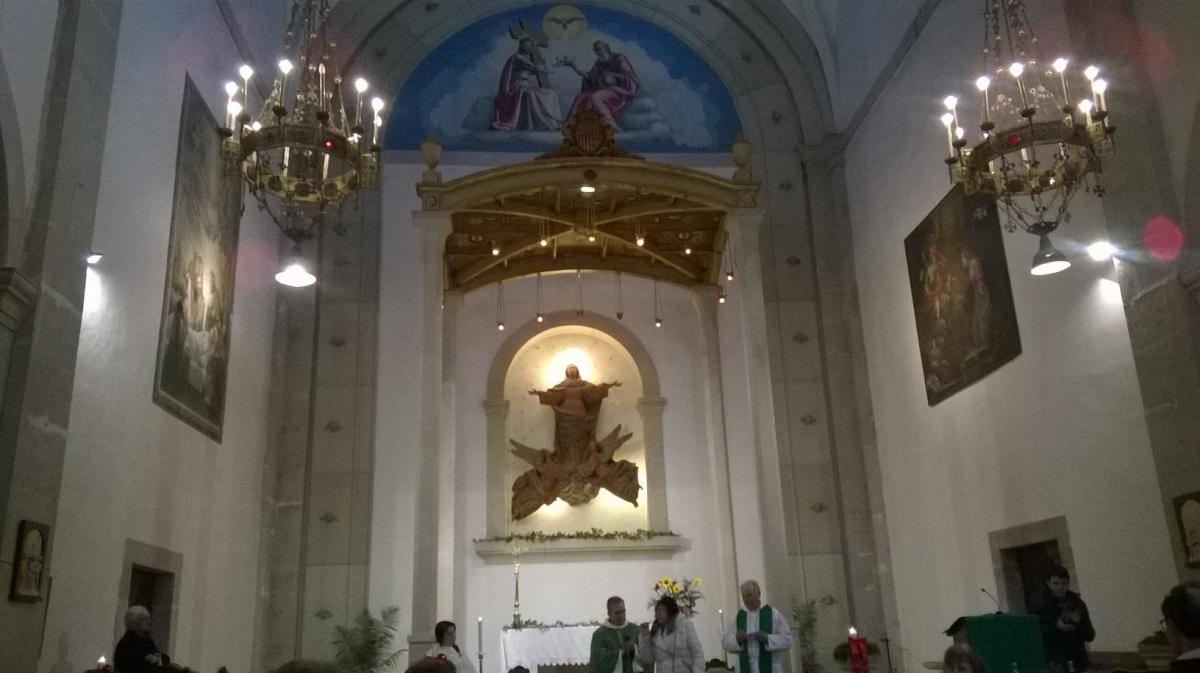 La missa, a l'església de Santa Maria dels Prats