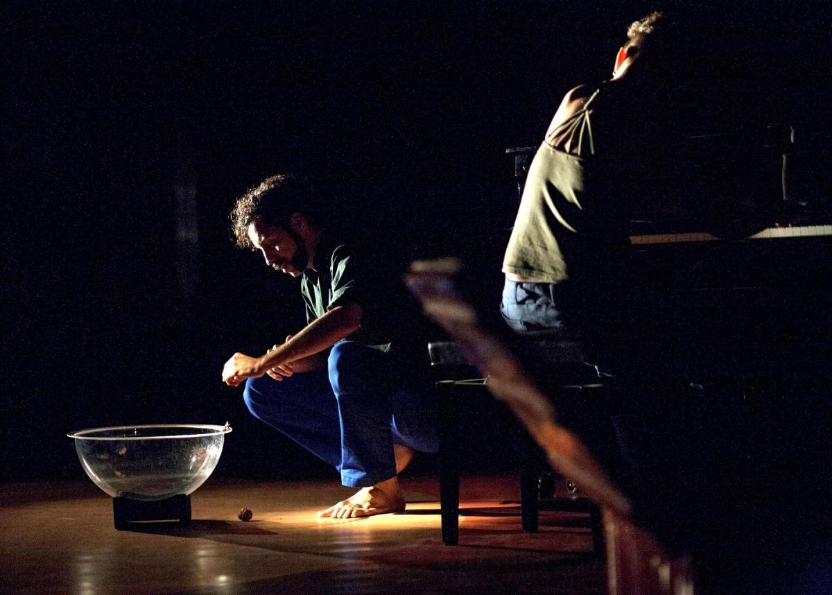 L'essència teatral de Guillem Albà es combina amb l'excel·lència de Peya al piano
