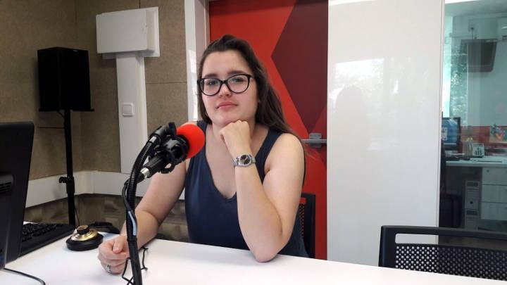 Mireia Nieto, a la seu de l'emissora local vilanovina