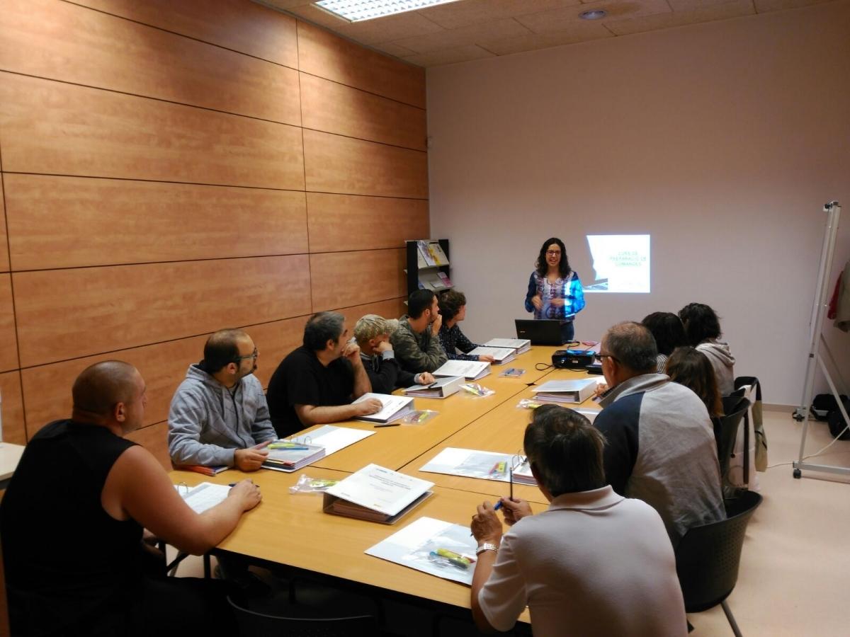 Una sessió formativa per a operaris de carretons en el marc d'Anoia Activa