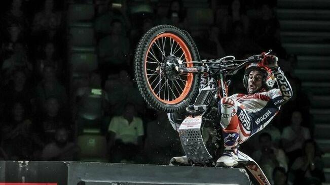 Un dels moments de l'actuació de Bou FOTO: Trial Indoor BCN