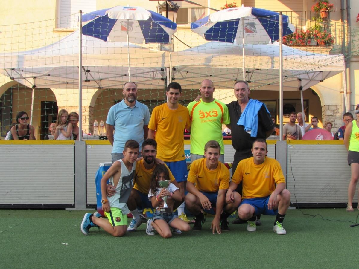 L'equip vencedor de la categoria sènior, Injurie La Coppe