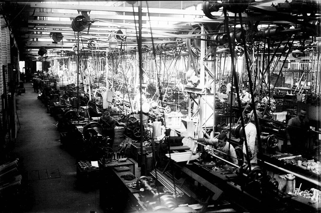 Els treballadors a La Cotonera - ACAN fons Ramon Godó