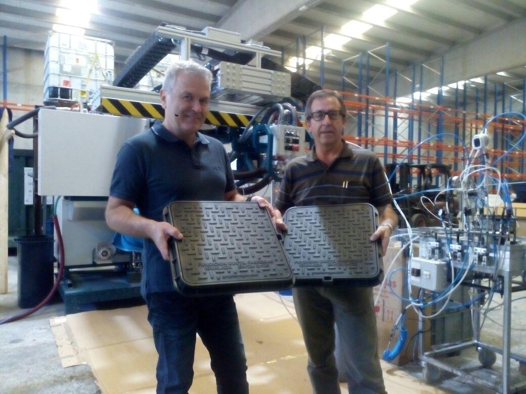 Carles Fàbregas i Pep Solé, amb el nou material