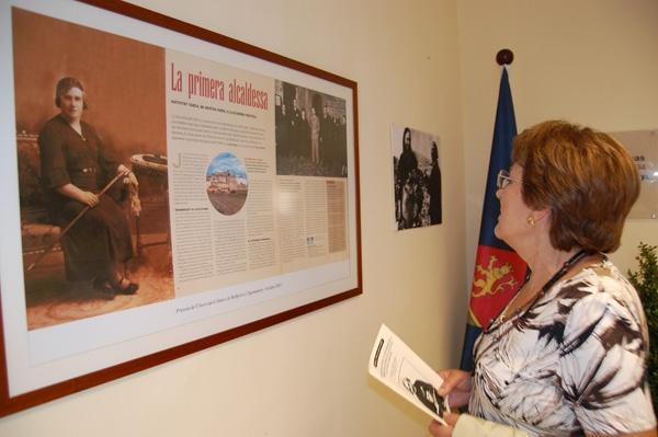 Una exposició a la sala de plens sobre Nativitat va captar l'atenció dels bellpratencs i visitants