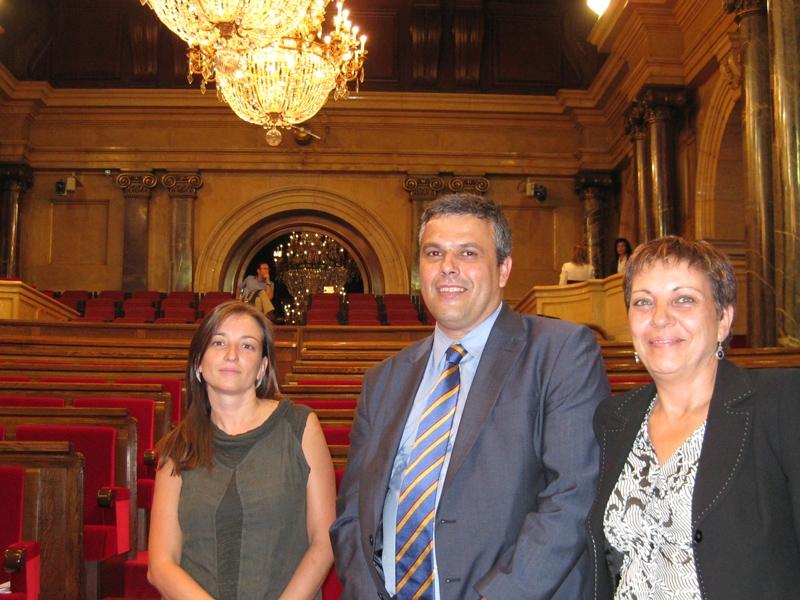 Marina Llansana, Pere Calbó, Teresa Estruch, just abans de l'inici del ple del Parlament d'ahir
