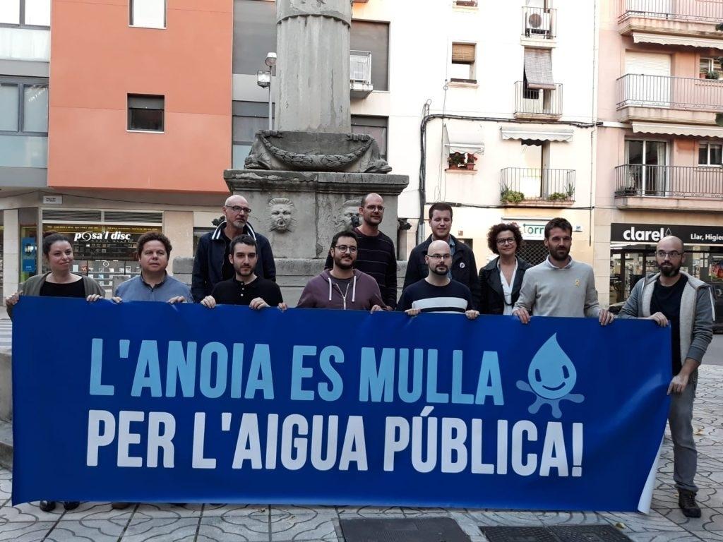 Els membres de les forces d'esquerres de l'Ajuntament d'Igualada, l'any passat, en un acte d'Aigua és Vida