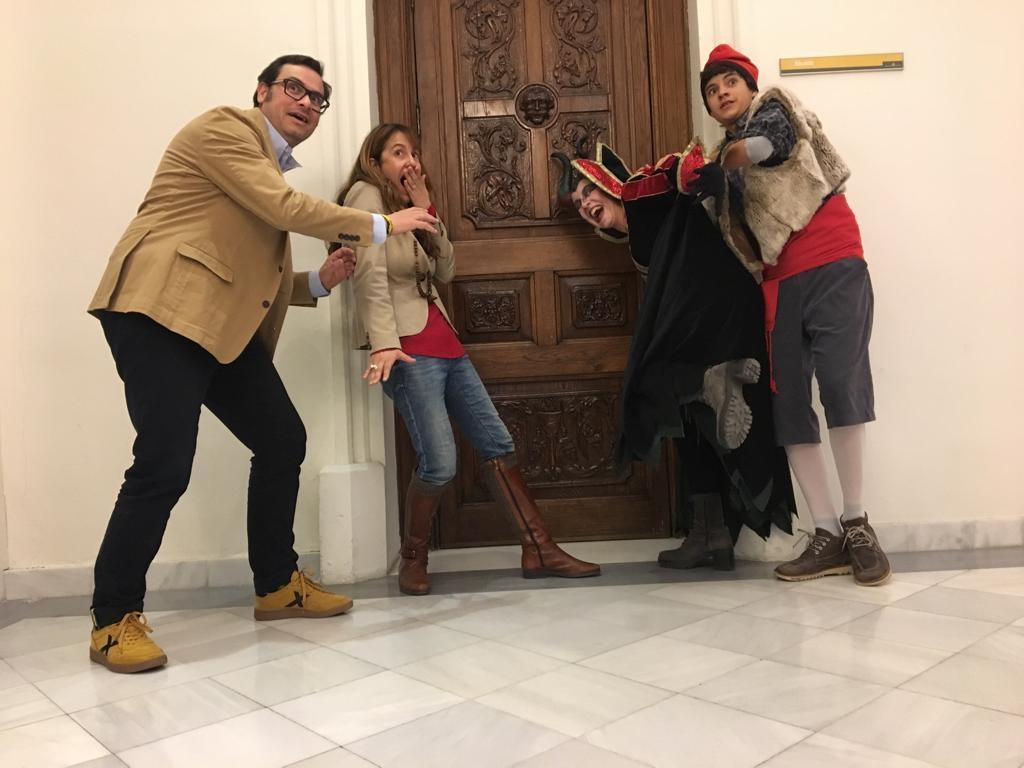 Els actors dels Pastorets, fent broma amb els regidors del consistori