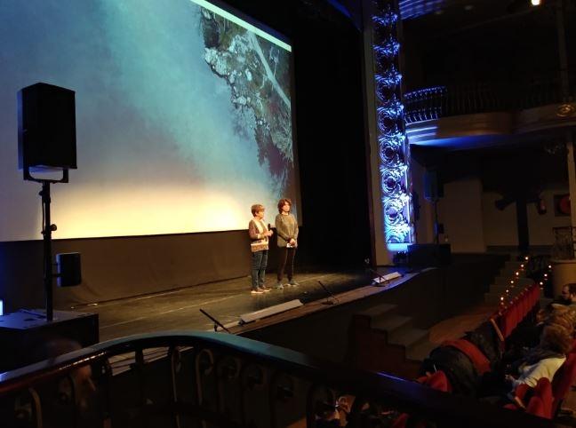 Carme Mateu i Anna Cervera, en la presentació de l'acte