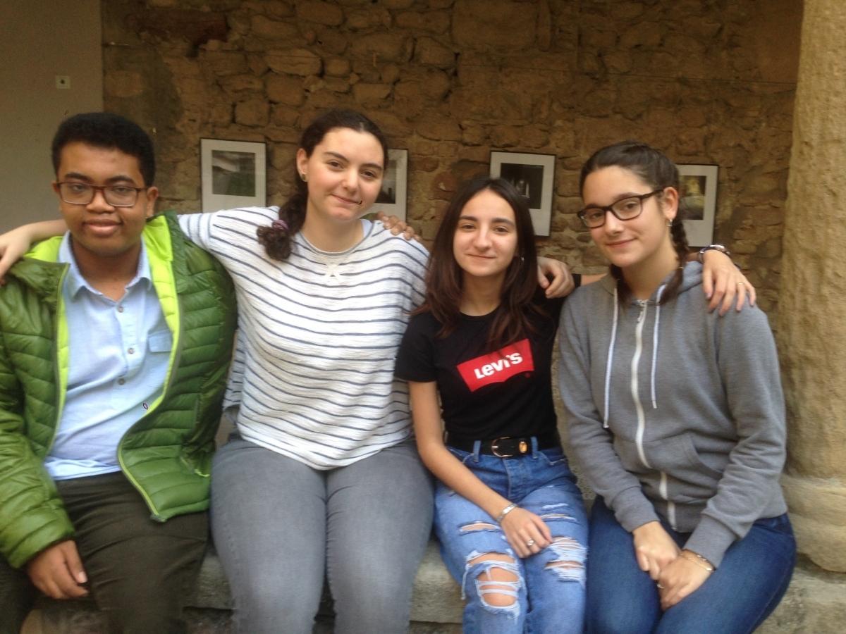 Els quatre joves de l'Escola Pia que fan Batxibac