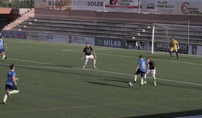 Una de les accions d'Eric, autor del gol decisiu