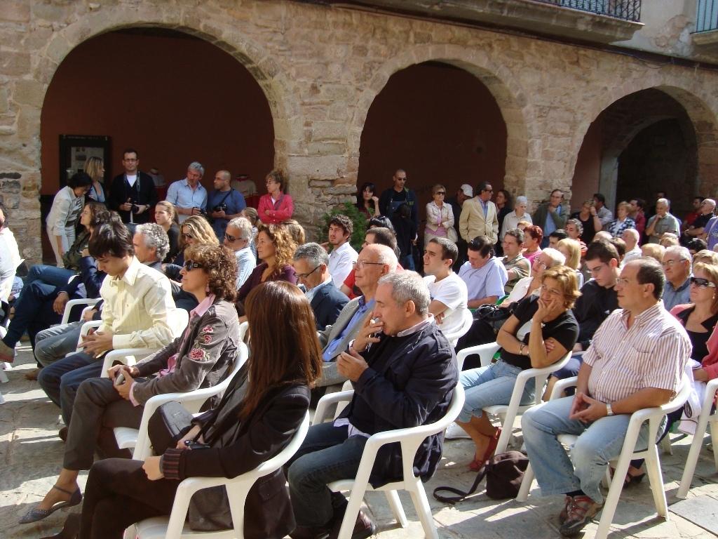 Uns 160 assistents es van congregar per fer costat a la família Rabasa