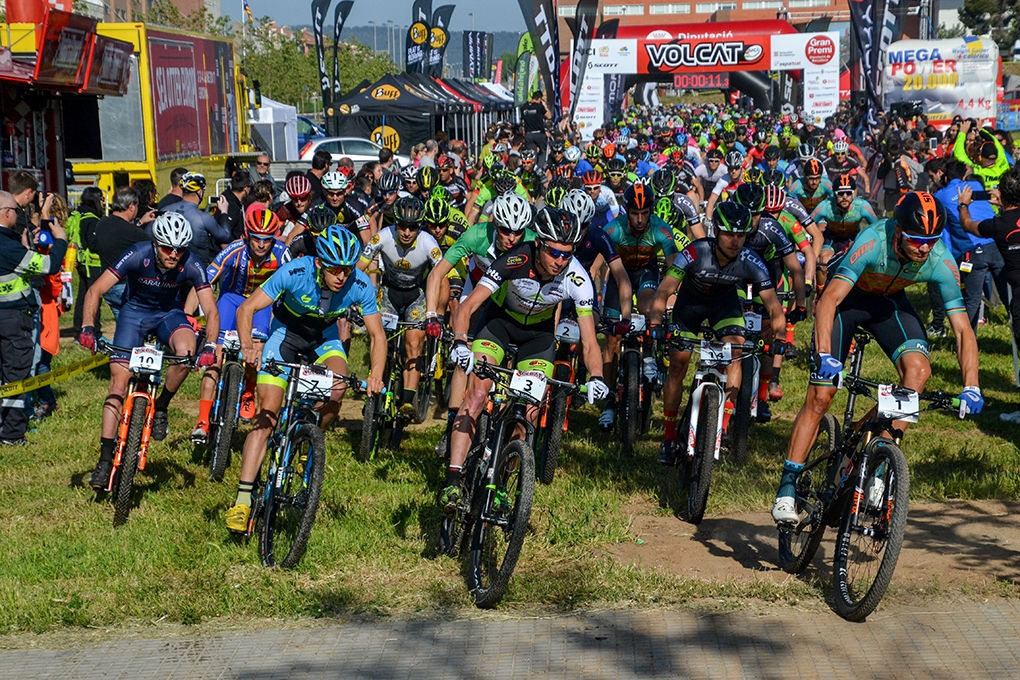 Més de 700 ciclistes participen en aquesta espectacular competició